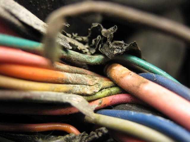 Как отремонтировать электропроводку автомобиля? - статья на DDCAR