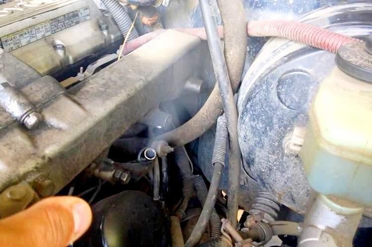 Почему сапунит двигатель и что с этим делать - статья на DDCAR