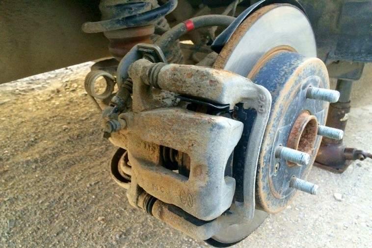 Как ремонтировать задний суппорт Kia Rio 3 - статья на DDCAR