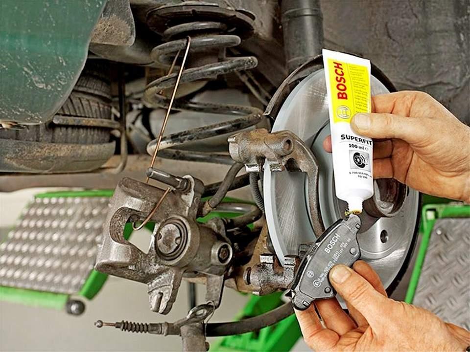 Смазка при замене тормозных колодок - статья на DDCAR