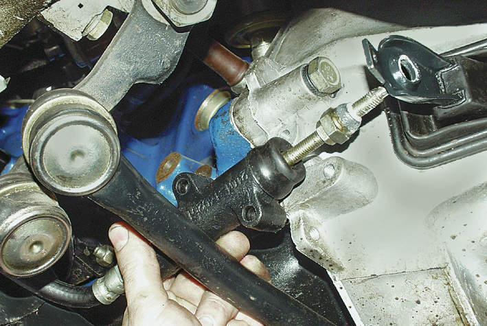 Замена рабочего цилиндра сцепления - статья на DDCAR