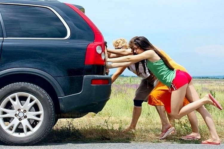 Как завести машину с толчка - статья на DDCAR